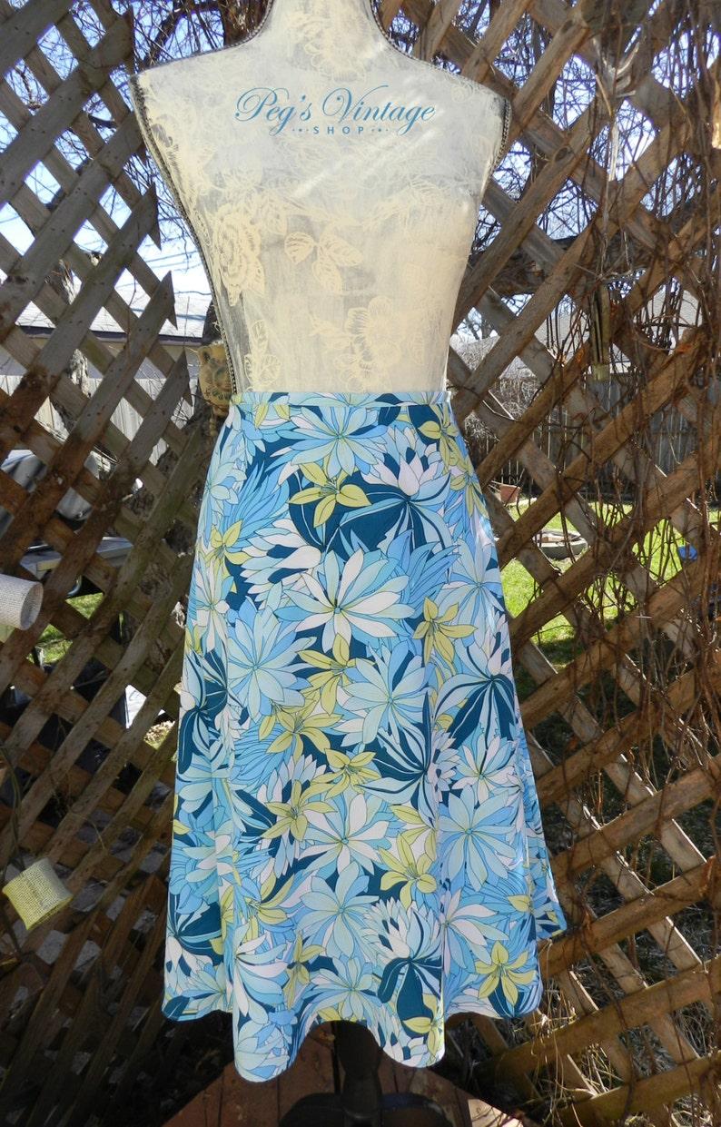 02013bc8f7 Vintage Floral Print Skirt Hawaiian Blue Floral Skirt / Midi | Etsy