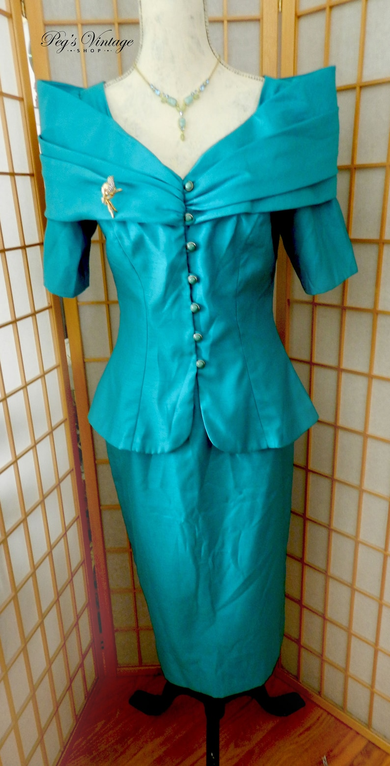 3927422819f1 60 s Nu-Mode Off Shoulders Cape Dress Suit Turquoise