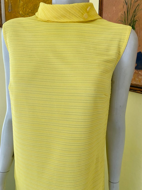 1960's, Ribbed Polyester Knit, Bright Yellow, She… - image 9