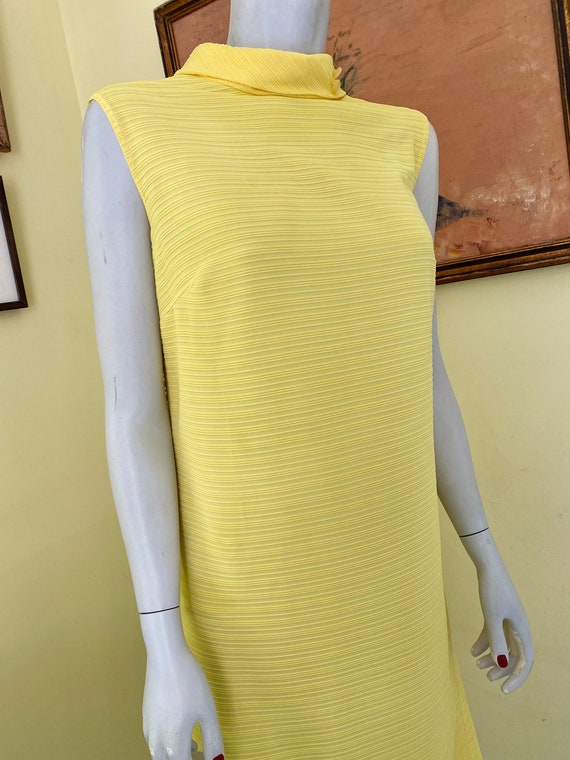 1960's, Ribbed Polyester Knit, Bright Yellow, She… - image 7