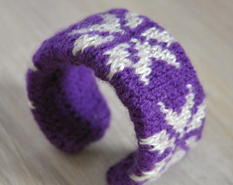 Fair Isle Knitted Cuff Bracelet Handmade OOAK Winter Themed Cuff with Snow Design