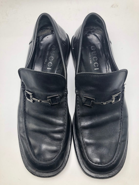 f9fe613f665f7 GUCCI Vintage Men's Black Leather Size 11 Loafers with Silver Metal Hardware