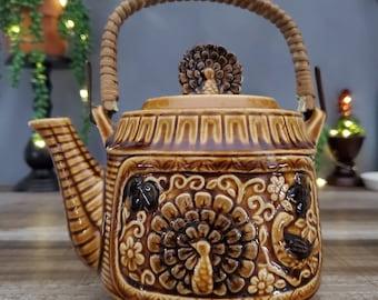 Peacocks and Floral Design Antique Japanese Kutani Porcelain Hand-painted Teapot Gold Gilt 0717006-200