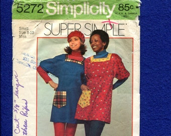 1972 Simplicity 5272 Easy Fitting Smock Dress with Square Neckline Size SMALL 8/10