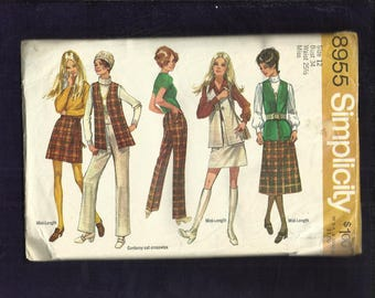 1970 Simplicity 8955 Perfect in Plaid Mini & Midi Skirt Long Vest and Straight Leg Pants Size 12