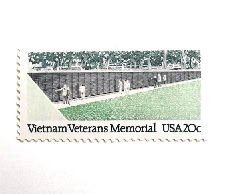 10 Vietnam Veterans Memorial Postage Stamps // Wall of Names image 0