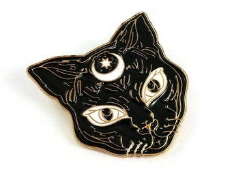 Black cat hard enamel pin, Wiccan witch brooch, pagan pin badge gift, magic animal lapel pin