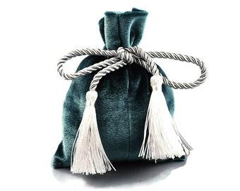 Emerald velvet pouch bag with tassel rope