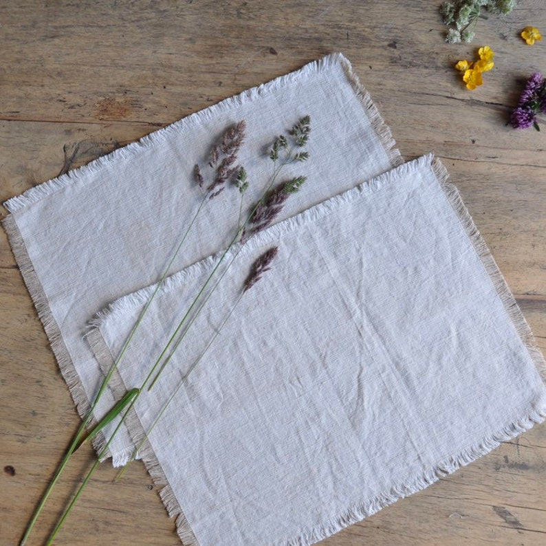 FÉLICE  Set of 4 Frayed Linen Placemats made from natural image 0
