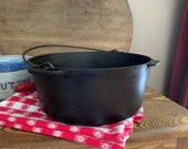 Wagner Ware Cast Iron ROUND ROASTER 1269 Sidney O, Large Antique Dutch Oven, 11 inches diameter x 4.5 inch deep