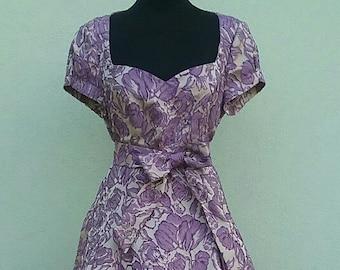 1950s style New Retrò dress - brocade fabric grey/purple with sweetheart neckline