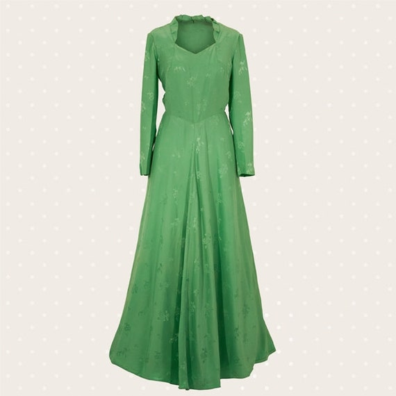Long green '70s dress