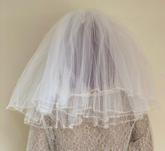 1950's original short Wedding veil by Bouffant & o