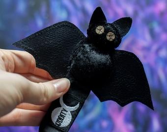 Bat Bag Charm / Purse Clip - Witchy Keychain - Pastel Goth - Creepy Cute - Kawaii - Witchcraft