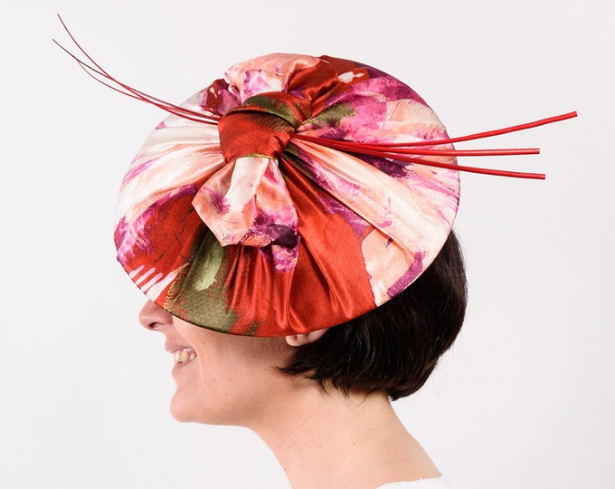 Red fascinator hat, red Ascot derby hat, kentucky derby hat, horse race hats, women's wedding hat, red fascinate hat
