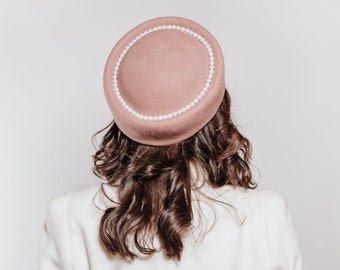 Pink pillbox hat, pillbox fascinator hats, 60s coat, Audrey Hepburn, woman felt hat, Jackie Kennedy style, wedding guest hat, formal hat