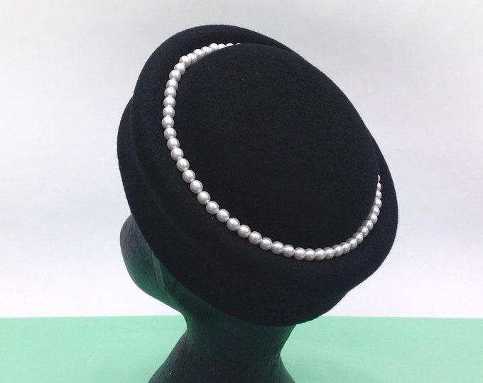 Audrey Hepburn style, black pillbox hat for 60s coat, felted hats women, woman felt hat, cocktail hat
