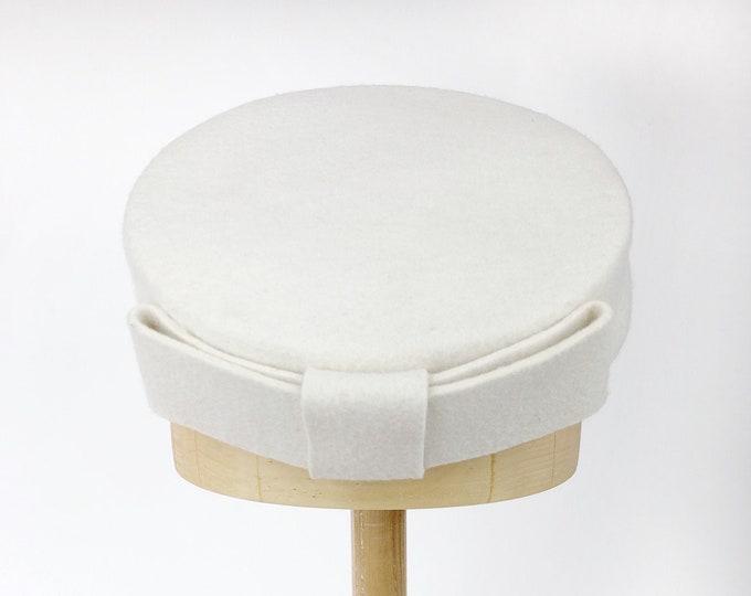 Audrey Hepburn hat, pillbox hat, felted hats women, Audrey Hepburn style, pillbox fascinator hats, ivory wedding hat, cocktail hat