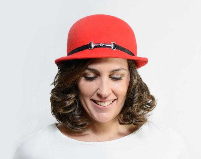Red felt hat cloche, vintage style hat, red winter wool felt hat, narrow brim hat, cloche christmas gift her, 1920s cloche hat