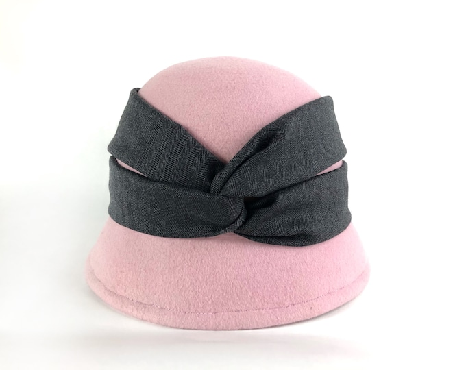 Woman felt hat, winter cloche hat woman, 1920s cloche hats, flapper hat, black formal hat, winter wool felt hat