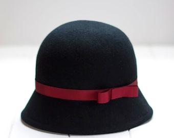 Cloche hat woman, black felt hat, woman wool hat, woman felt hat, winter wool felt hat, 1920s cloche hats, black formal hat,