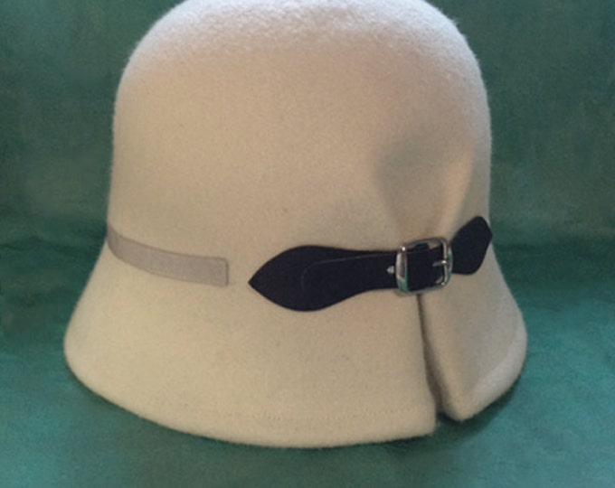 Felt hat for women, Ivory white felt hat cloche, vintage style hat, winter wool felt hat, christmas gift for her