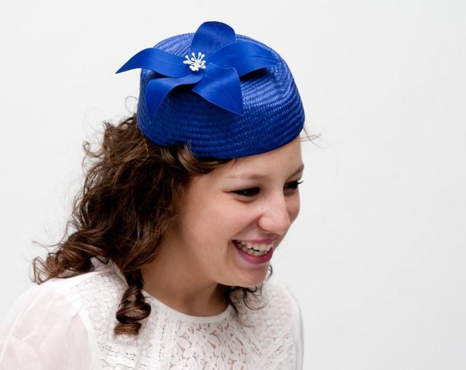 Pillbox hat, Audrey Hepburn style, Audrey Hepburn hat, tea party hat, cocktail hat, wedding guest hat, blue fascinator