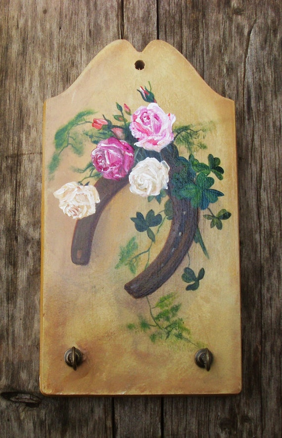 LUCKY HORSESHOE- Wooden Key Holder - Totally Handpainted