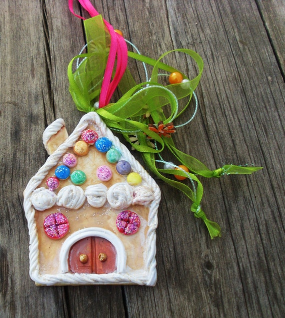 CHRISTMAS GINGERBREAD HOUSE - Ceramic Ornament