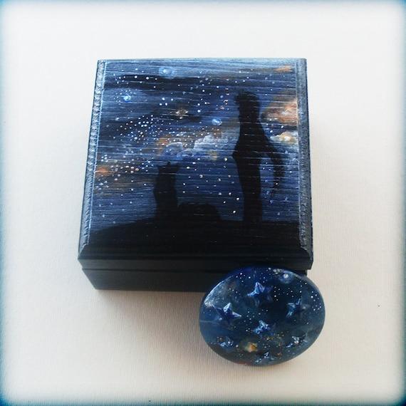 Little Wooden Keepsake Box - Gazing Into The UNIVERSE