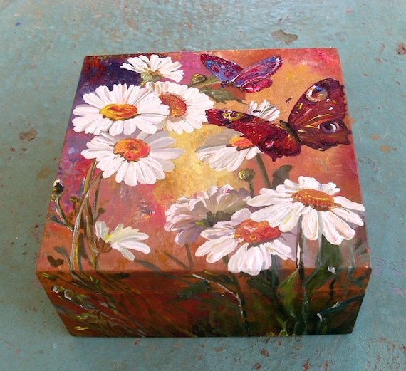 Wooden Box, Wooden Crates, Wooden Storage Boxes, Wooden Keepsake Box, Memory Box, Keepsake Box, Square Box - DAISIES AND BUTTERFLIES