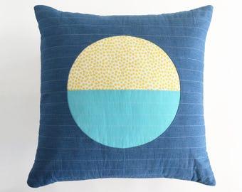 Modern Throw Pillow (with insert and zipper closure)