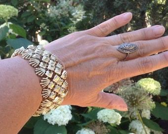 1960s Bracelet / Bracelet Coro Pegasus Wide Goldtone / Vintage Bracelet / Coro