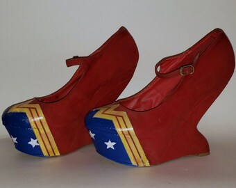 WONDER WOMAN Handcrafted Curved Wedge Heels, Size 9