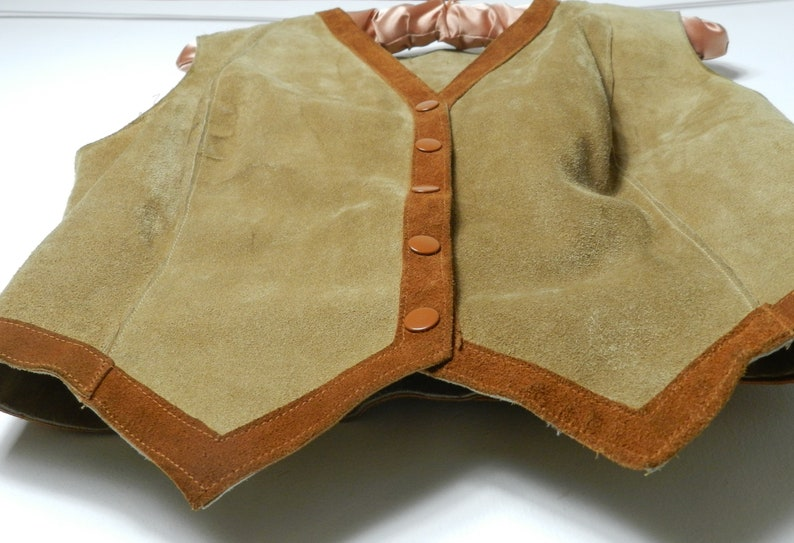60s 70s womens supple TAN suede leather snap front FITTED vest waistcoat 38/'/' bust U.K 10-12