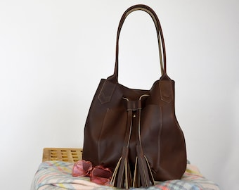 ddac05e7f31e Frankie Leather Tote   Handmade Leather Tote   Women s Leather Handbag    Bucket Bag with Handles   Leather Purse   Leather Shoulder Bag