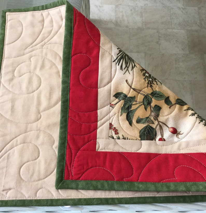 Quilted Placemats Table Placemats Holiday Placemats Handmade Placemats Ready to ship,Christmas Placemats Set of 4. Cardinals Placemats
