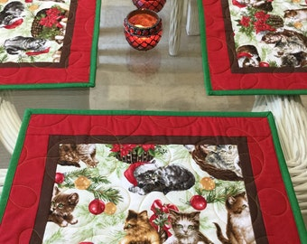Quilted Placemats, Christmas Placemats, kitty Cats Placemats, Holiday Kitty Cats, Christmas Decor, Holiday Placemats, Table Placemats,