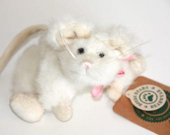 Brie Boyds Bear Vintage Collectible stuffed White Mouse jointed plush