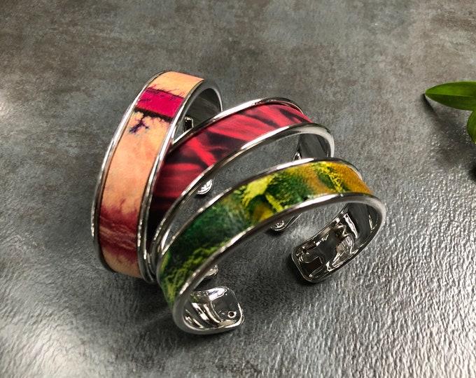 ZAWADI Shibori Narrow Leather Cuff, tie dyed Leather,  Leather Bracelet