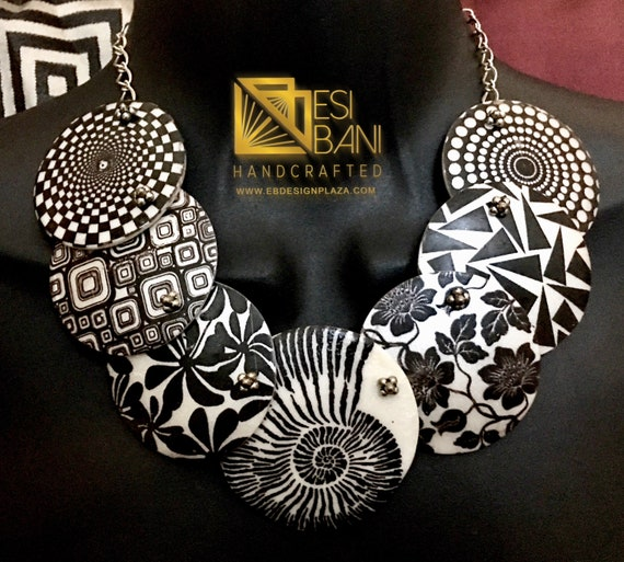 Black 'n' White Graphic Choker Necklace