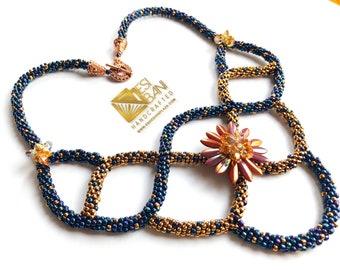 Seductive Criss Cross Necklace