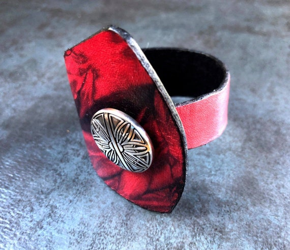 RED WRIST TREAT Shibori Leather Bracelet