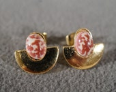 Vinage Pierced Earrings Yellow Gold Tone 2 Oval Faux Striated Agate Stud Door Knocker Style