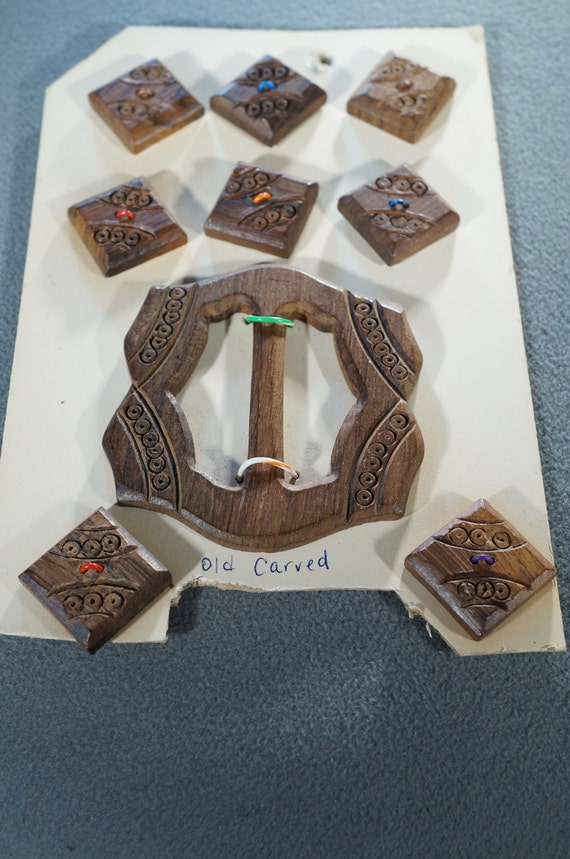 Vintage Fancy Carved Solid Wood 8 Square Button Bu