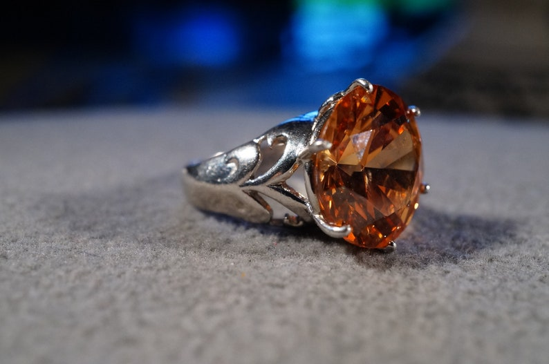 Vintage Sterling Silver Band Ring Round Prong Set Madera Citrine Fancy Scrolled Setting Art Deco Style Size 4.5