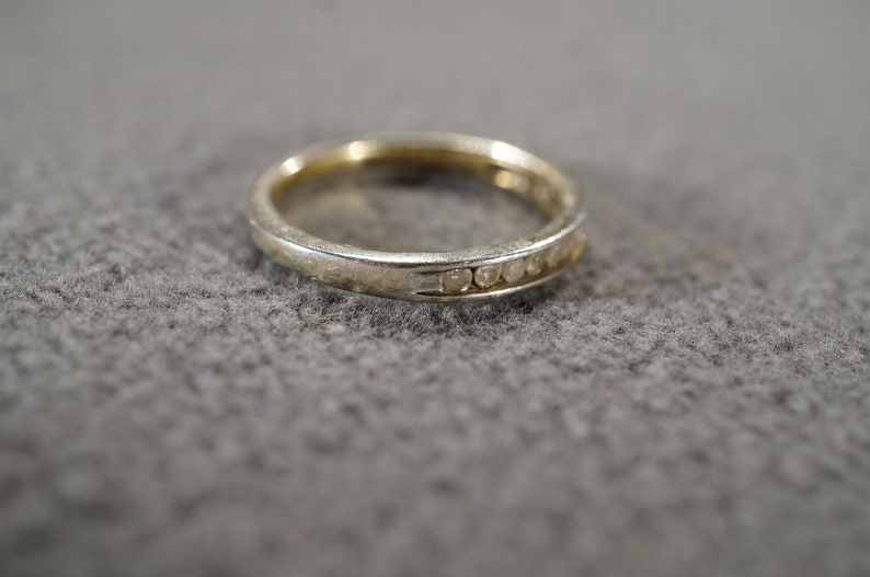 Size 6 Vintage Sterling Silver Wedding Band Stacker Design Ring 14 Round Inset Diamond Classic Setting Art Deco Style