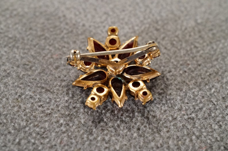 Antique Vintage 12 K Yellow Gold Filled Art Deco Style Pin Brooch 16 Round Pear Prong Set Garnet Round Circle Design        #2433