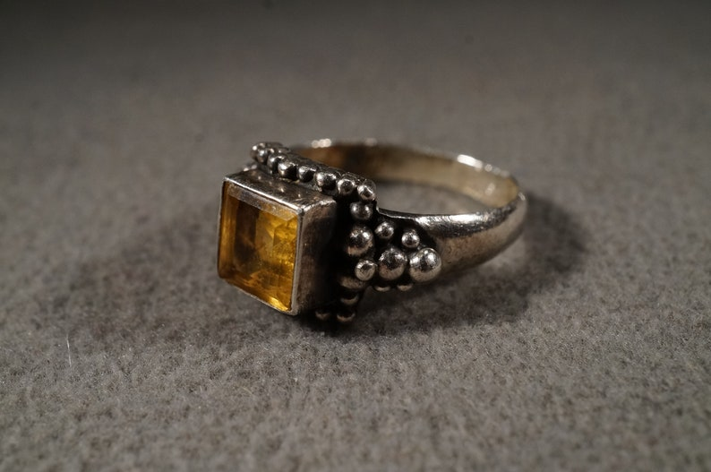 Size 6.5 Vintage Sterling Silver Band Ring Square Bezel Set Golden Citrine Raised Relief Victorian Style Setting Classic Collectable