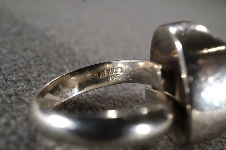 Vintage Sterling Silver Band Ring  Oval Bezel Set Smokey Quartz  Smooth sleek Design Setting Art Deco Style Size 7